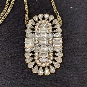 White house black market gold and crystal necklace